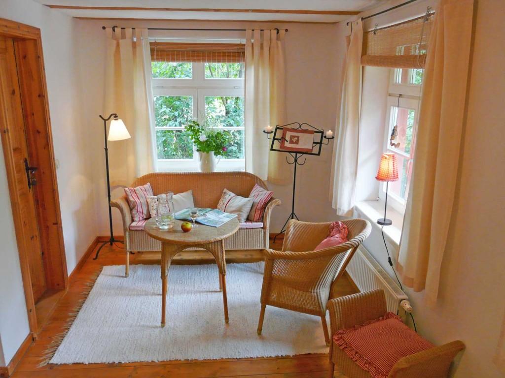 Schlafzimmer 2, Sofa und Sessel
