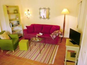 Sofa und Sessel in der Ferienwohnung