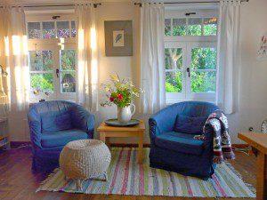 Zwei Sessel der großen Ferienwohnung